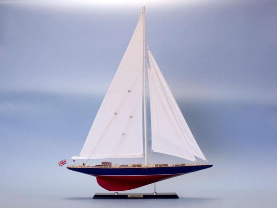 """Endeavour 44"""" Limited Model Sailing Yacht"""