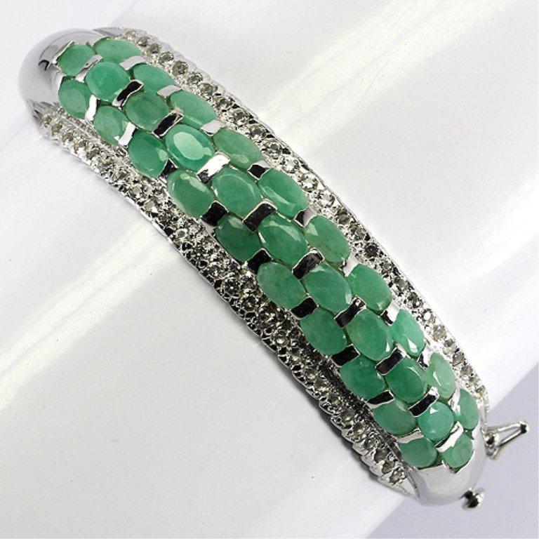 Beautiful 99.33 CT Natural Emerald Bangle Bracelet