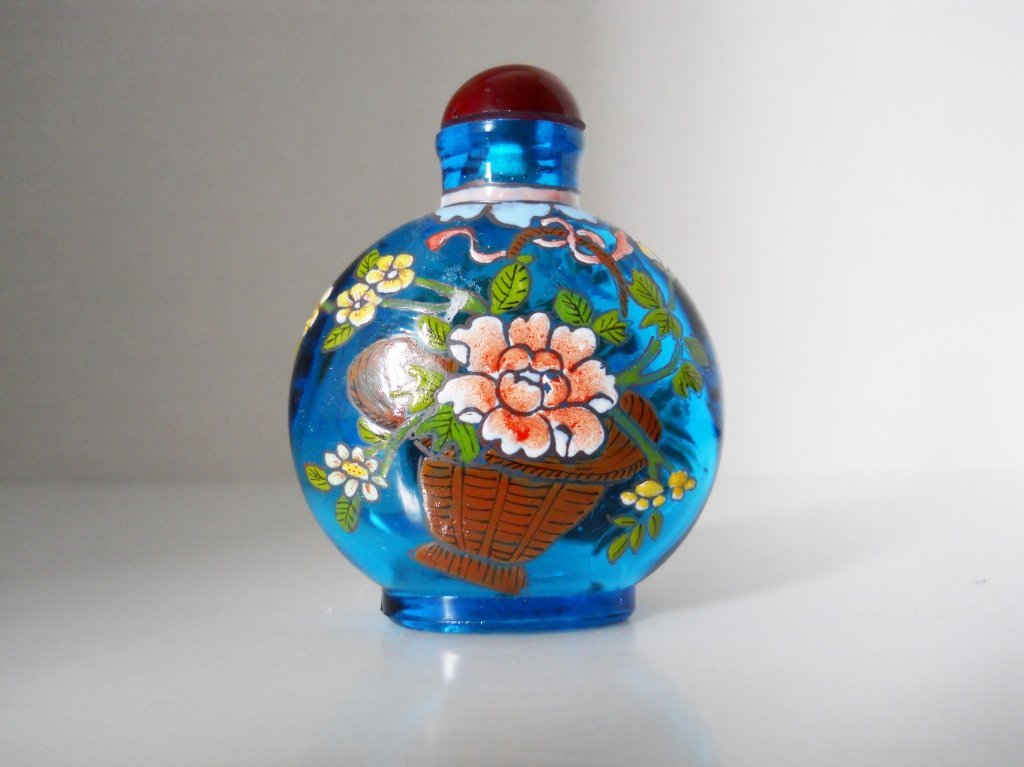 Chinese glass hand painted Floral Snuff Bottle