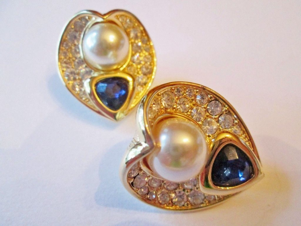A Pair of Nolan Miller Couture Clip Earrings - 4