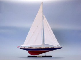 Limited Model Sailing Yacht, Endeavour