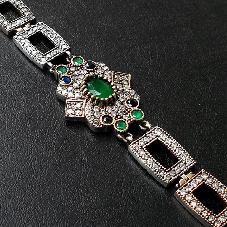 13.39cts Emerald,Topaz & Sapphire Bracelet