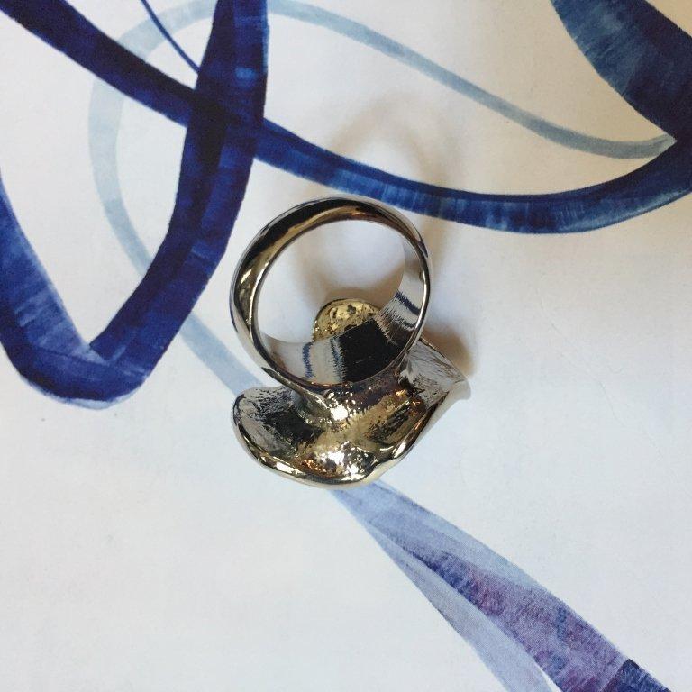 Swarovski Crystal Black Pearl Oyster Ring - 2