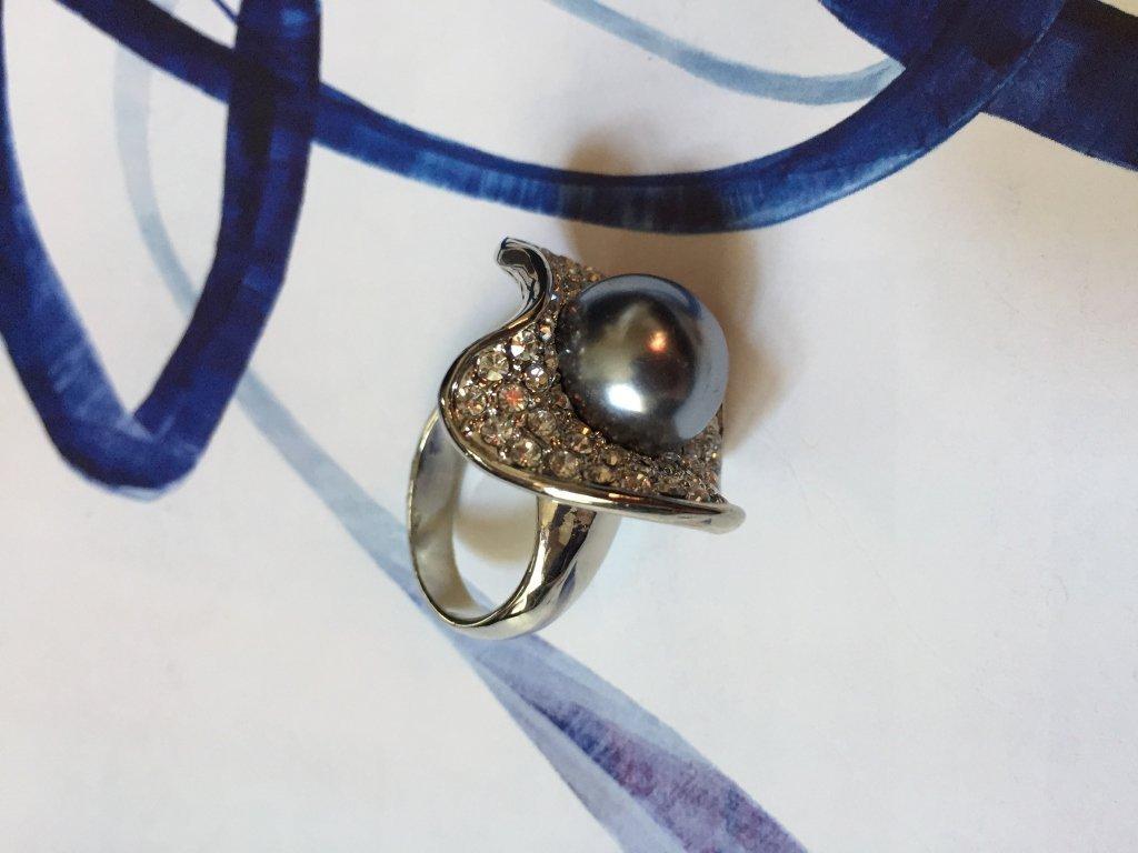 Swarovski Crystal Black Pearl Oyster Ring - 3