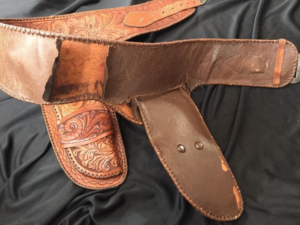 Colt Double Holstered Gun Belt with Silver Buckle - 3
