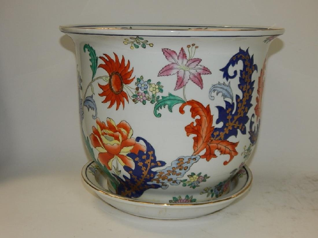 CHINESE HAND PAINTED PORCELAIN PLANTER