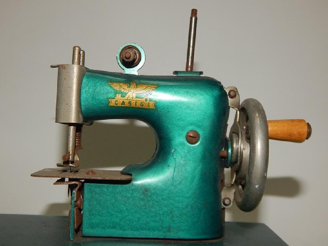 CHILD SEWING MACHINE - 2