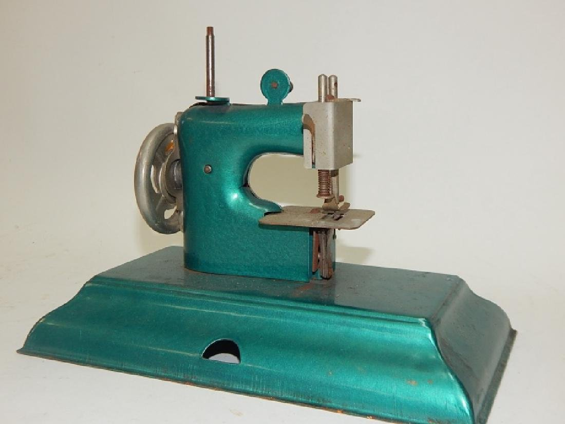CHILD SEWING MACHINE - 5