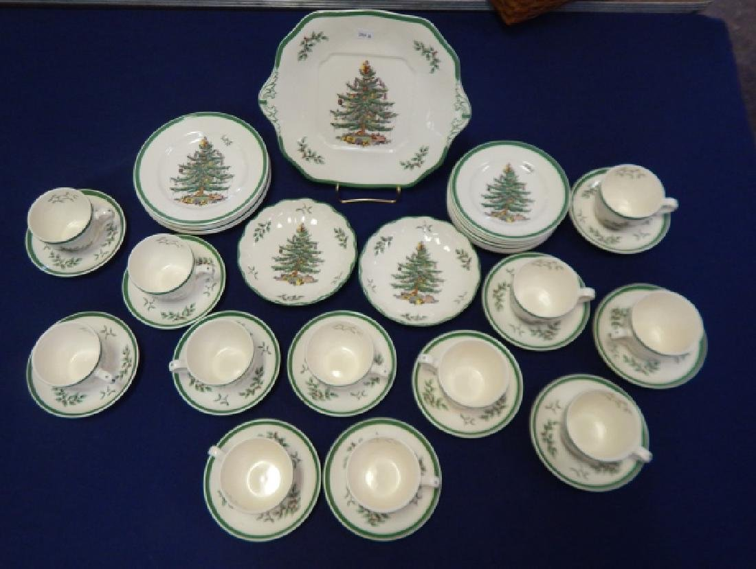 COLLECTION OF SPODE CHRISTMAS TREE DISHES