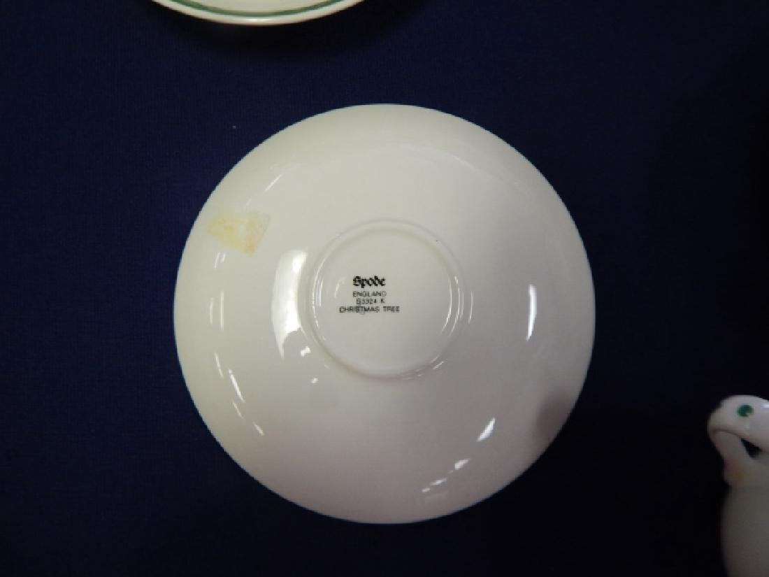 COLLECTION OF SPODE CHRISTMAS TREE DISHES - 4