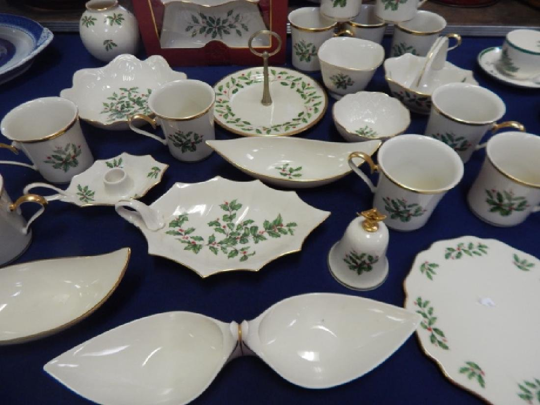COLLECTION OF LENOX, HOLIDAY DINNER DISHES - 2