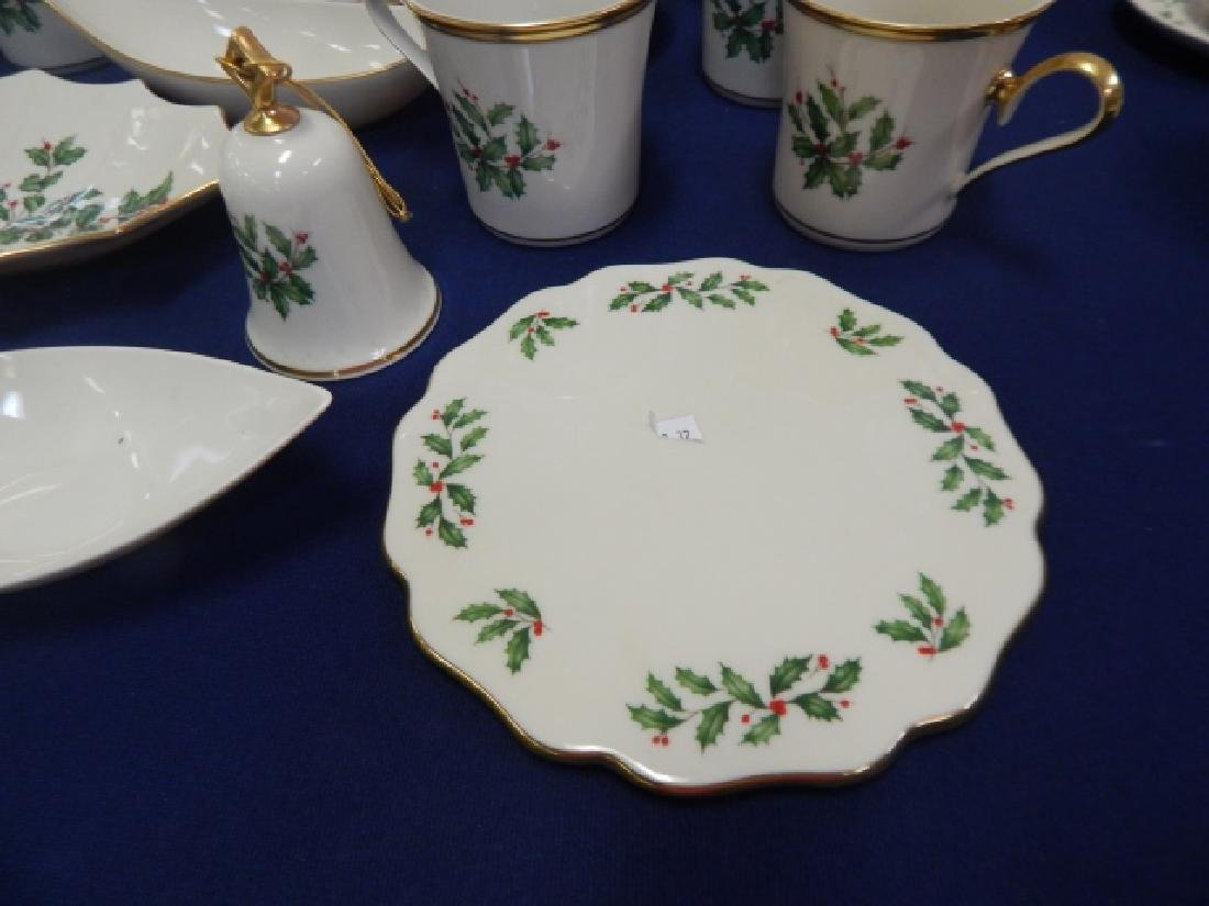 COLLECTION OF LENOX, HOLIDAY DINNER DISHES - 3