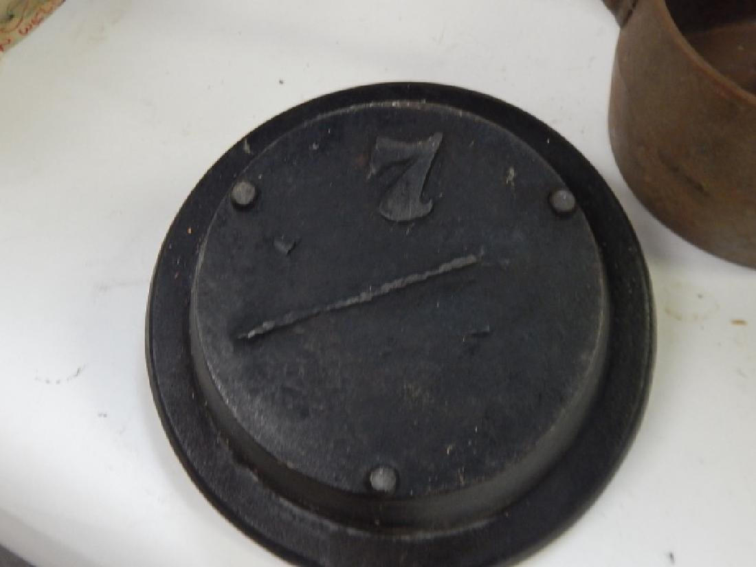 LOT OF FOUR COOKING PANS - 6