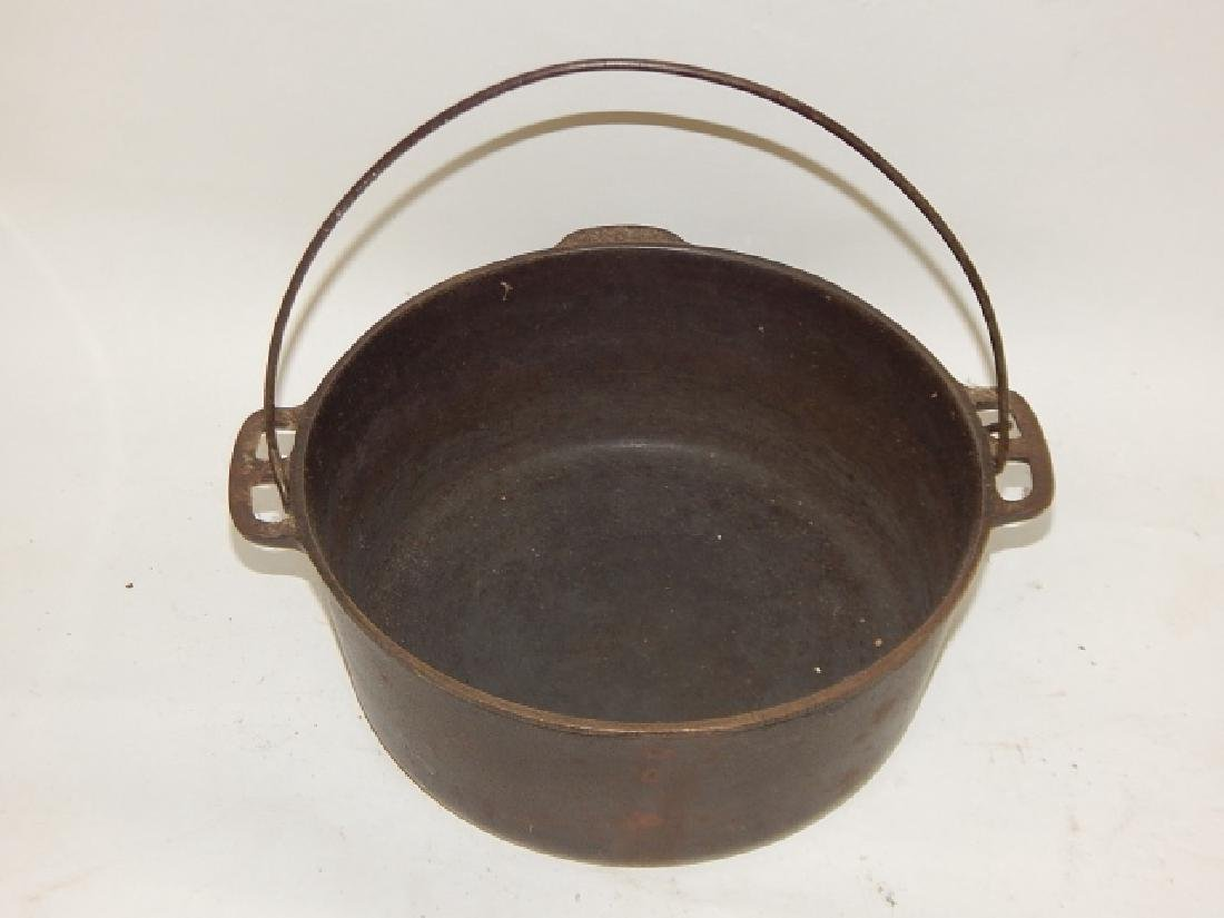 WAGNER WARE DUTCH OVEN - 2