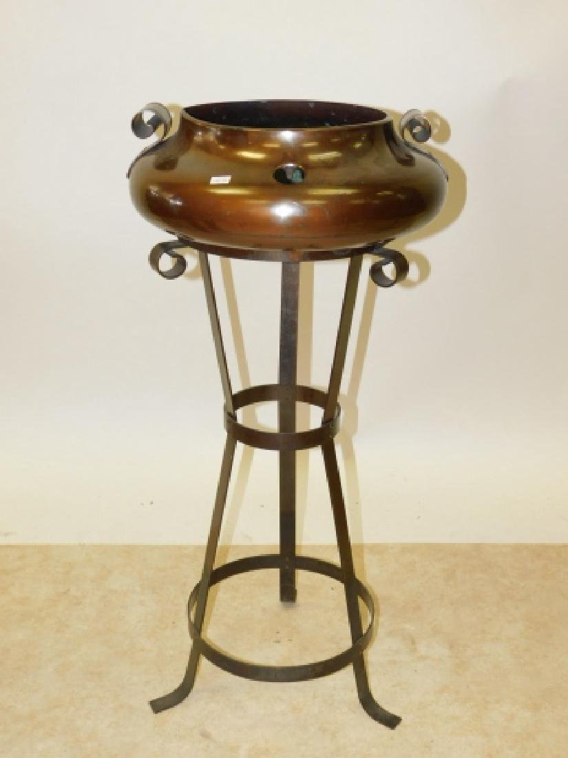 COPPER POT ON STAND