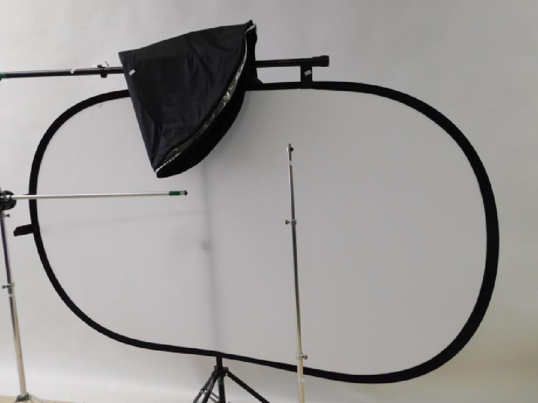 MOVIE LIGHT STANDS WITH REFLECTOR - 4