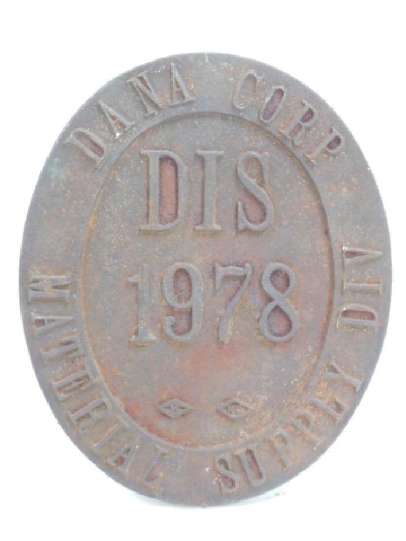 CAST IRON DANA CORP PLAQUE - 3