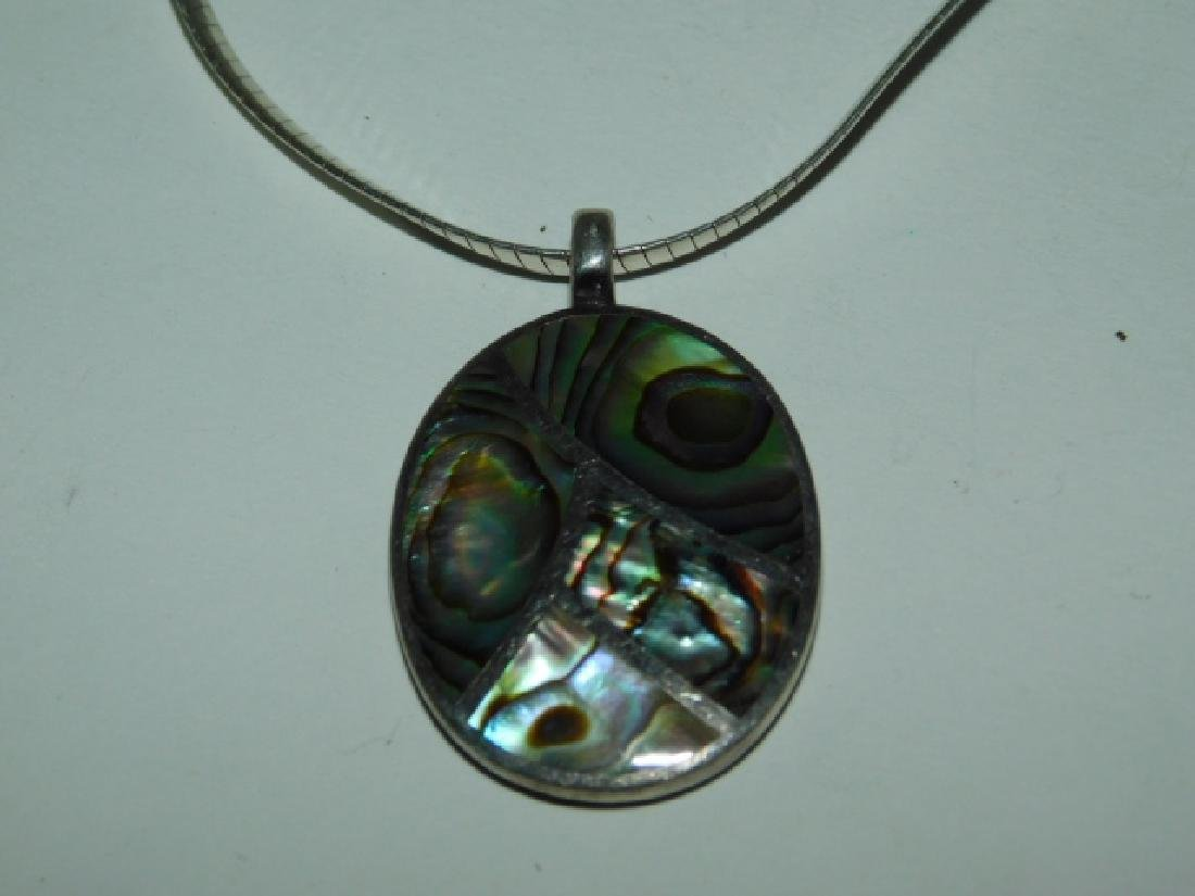 STERLING SILVER PENDANT ON CHAIN