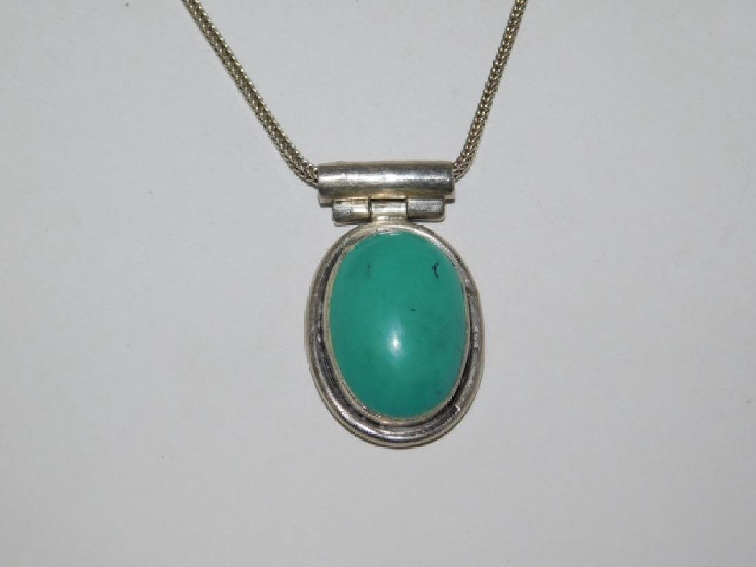 STERLING SILVER NECKLACE WITH PENDANT