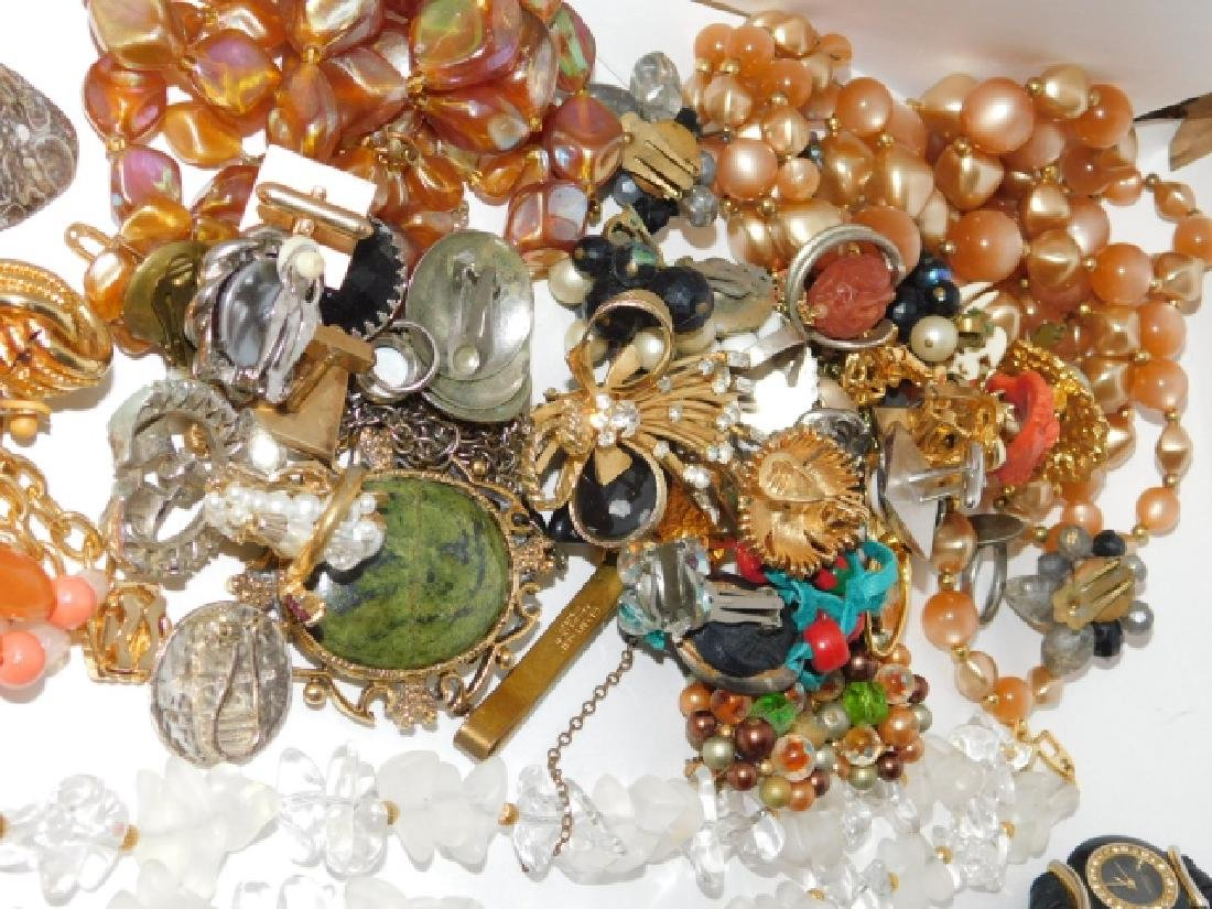 LOT OF COSTUME JEWELRY - 4