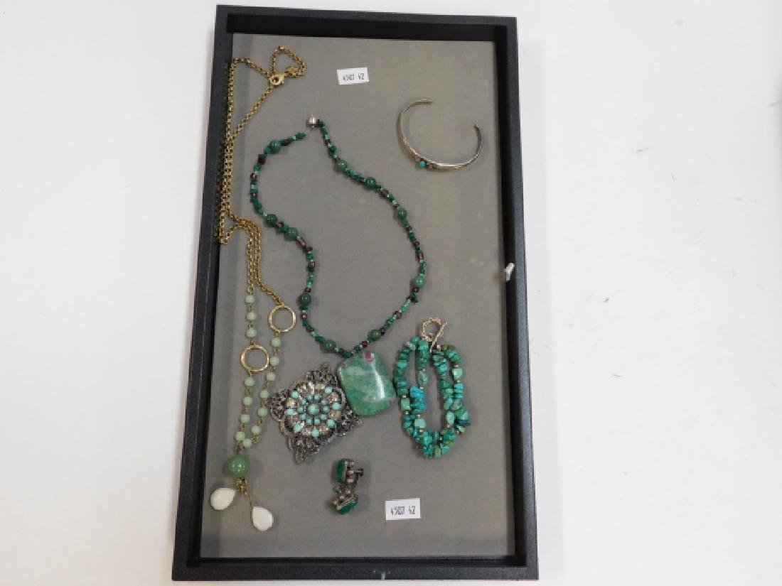NATURAL STONE NECKLACES AND BRACELETS.