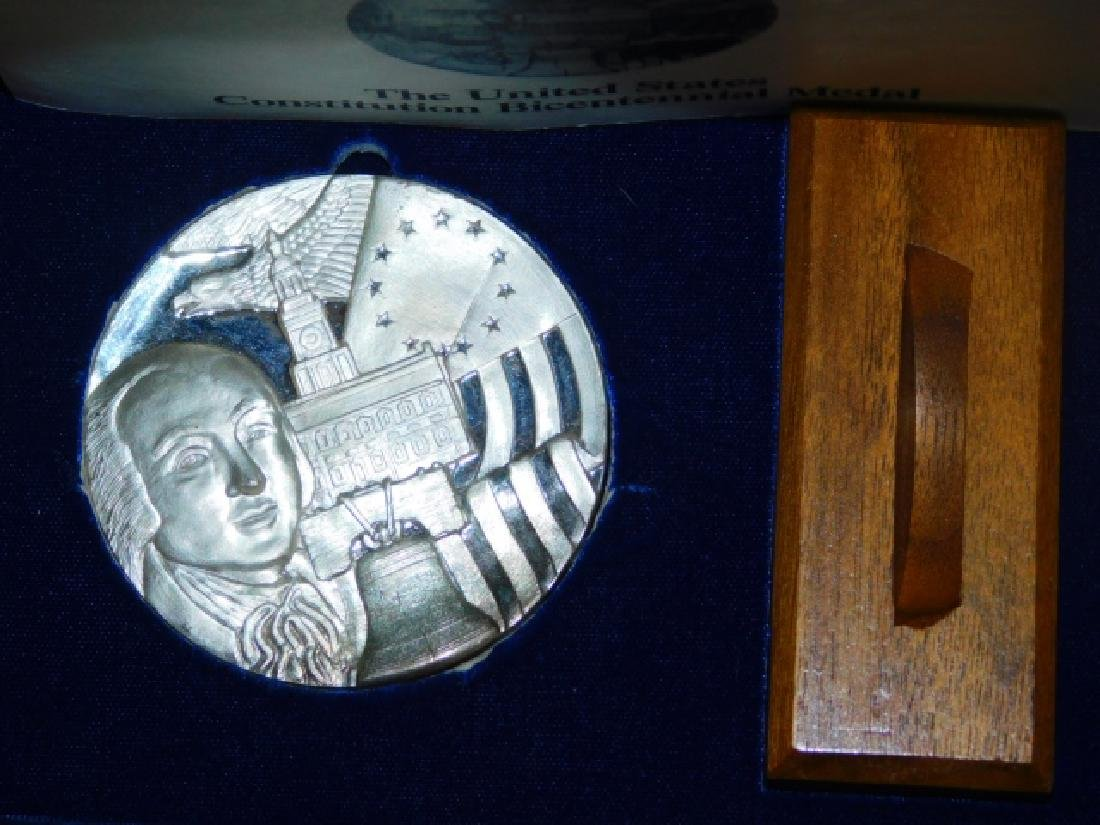 UNITED STATES CONSTITUTION BICENTENNIAL MEDAL