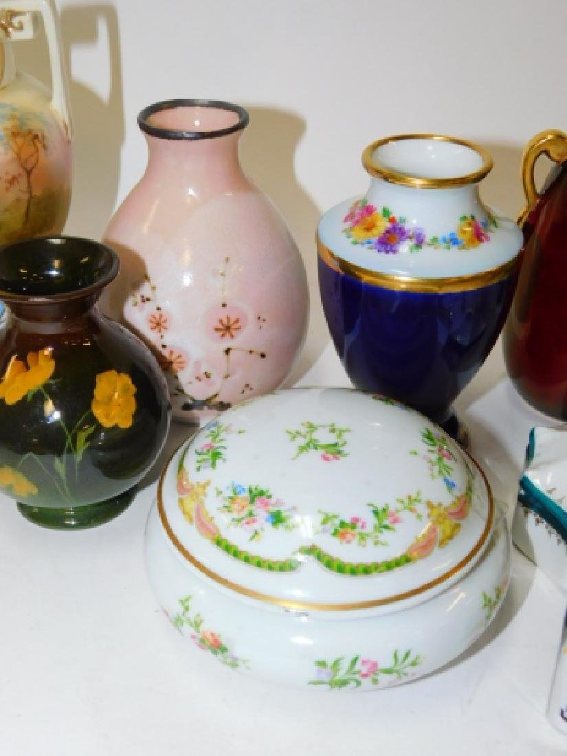 COLLECTION OF SMALL VASES AND TRINKET BOXES - 4