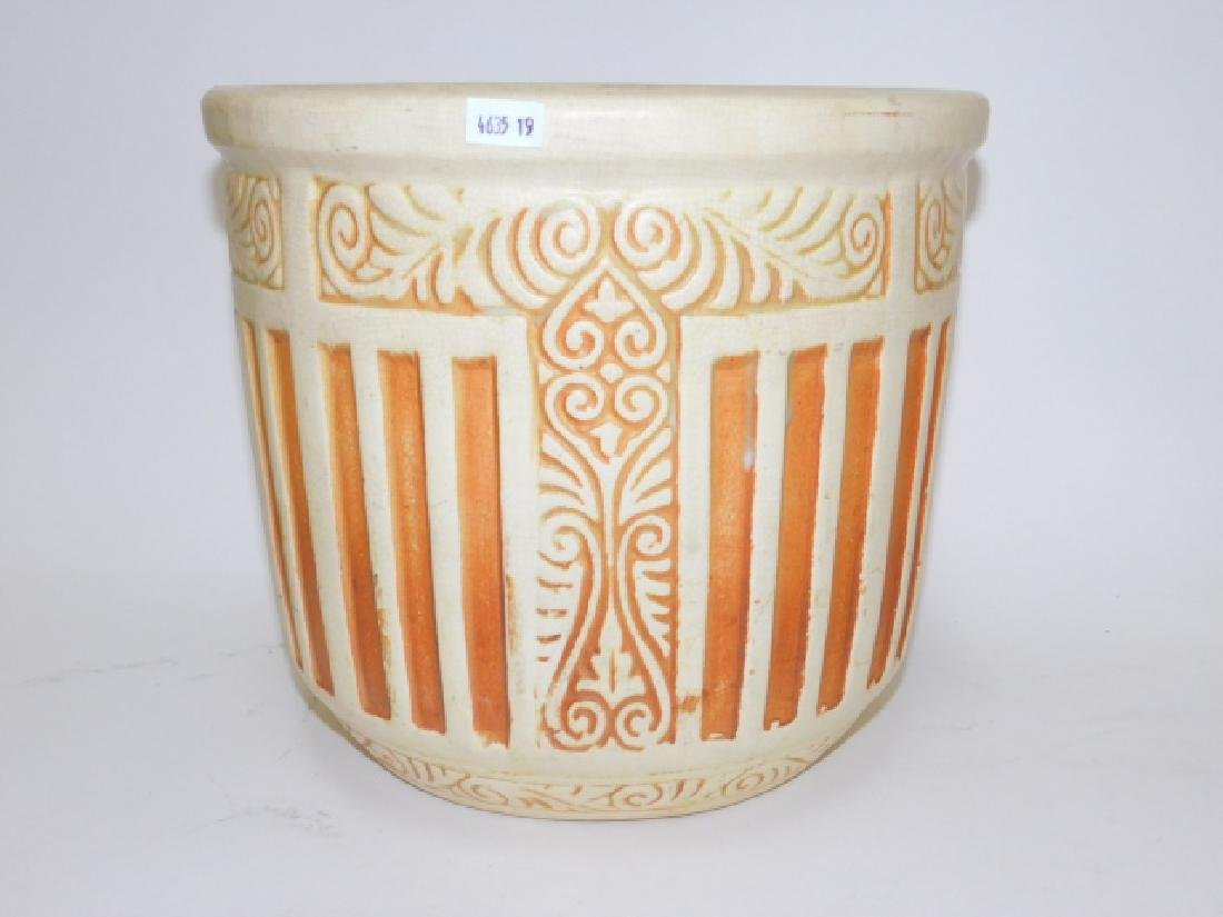 POTTERY FLOWER POT