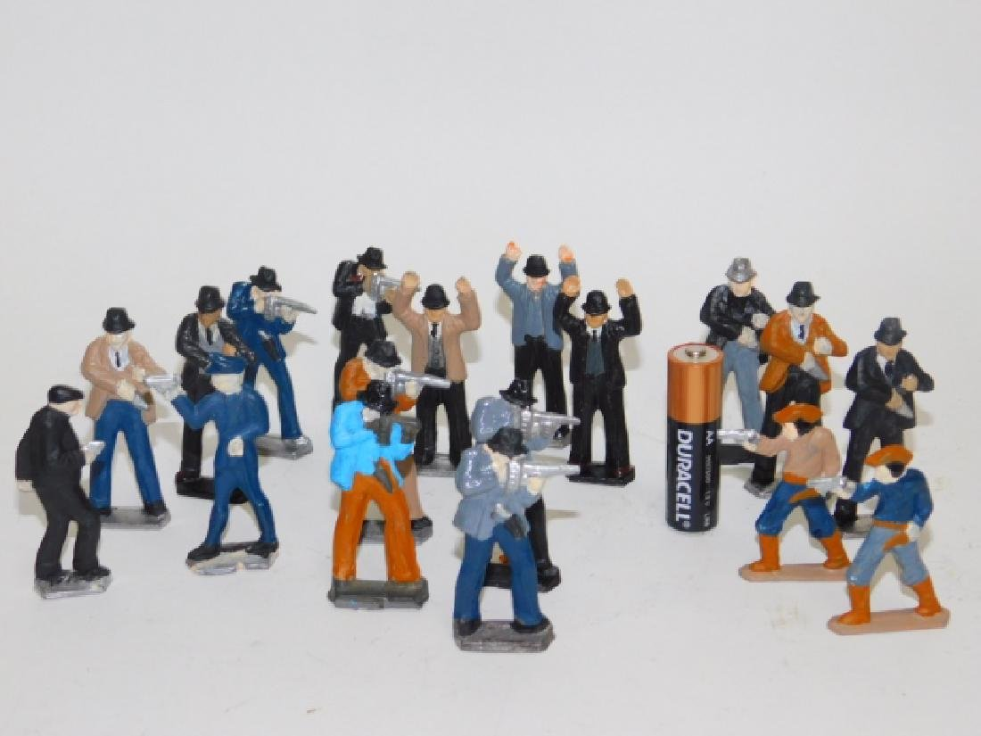 COLLECTION OF LEAD FIGURES