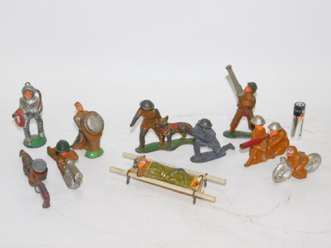 COLLECTION OF WWI & WWII LEAD SOLDIERS