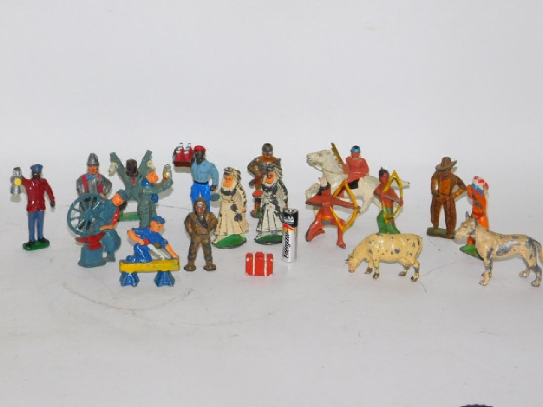 COLLECTION OF LEAD FIGURES AND ANIMALS