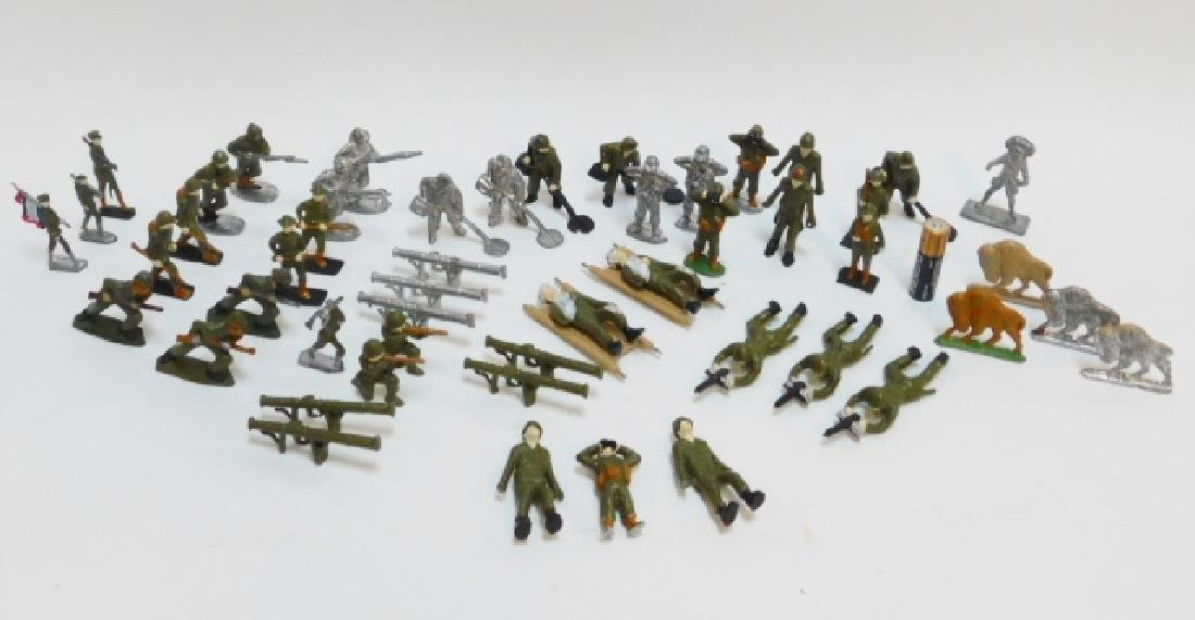 COLLECTION OF LEAD SOLDIERS