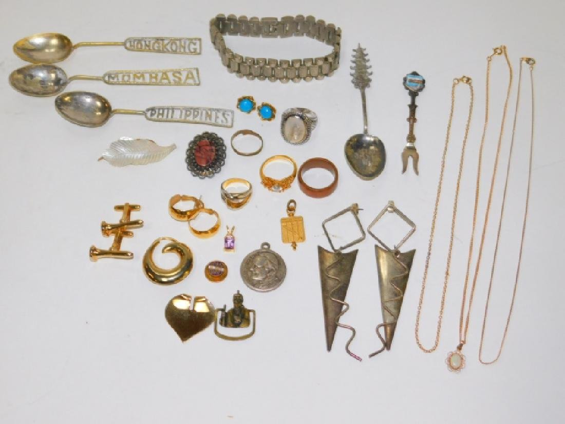 COLLECTION OF VINTAGE JEWELRY