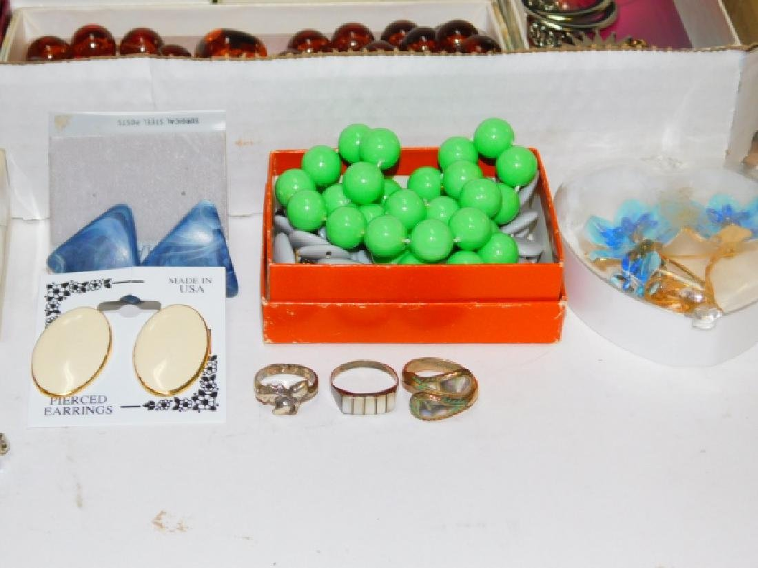 LARGE COLLECTION OF COSTUME JEWELRY - 5
