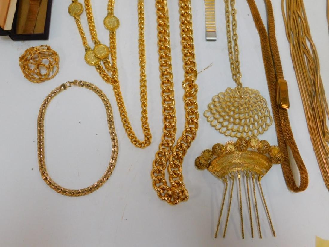 COLLECTION OF COSTUME JEWELRY AND ACCESSORIES - 3
