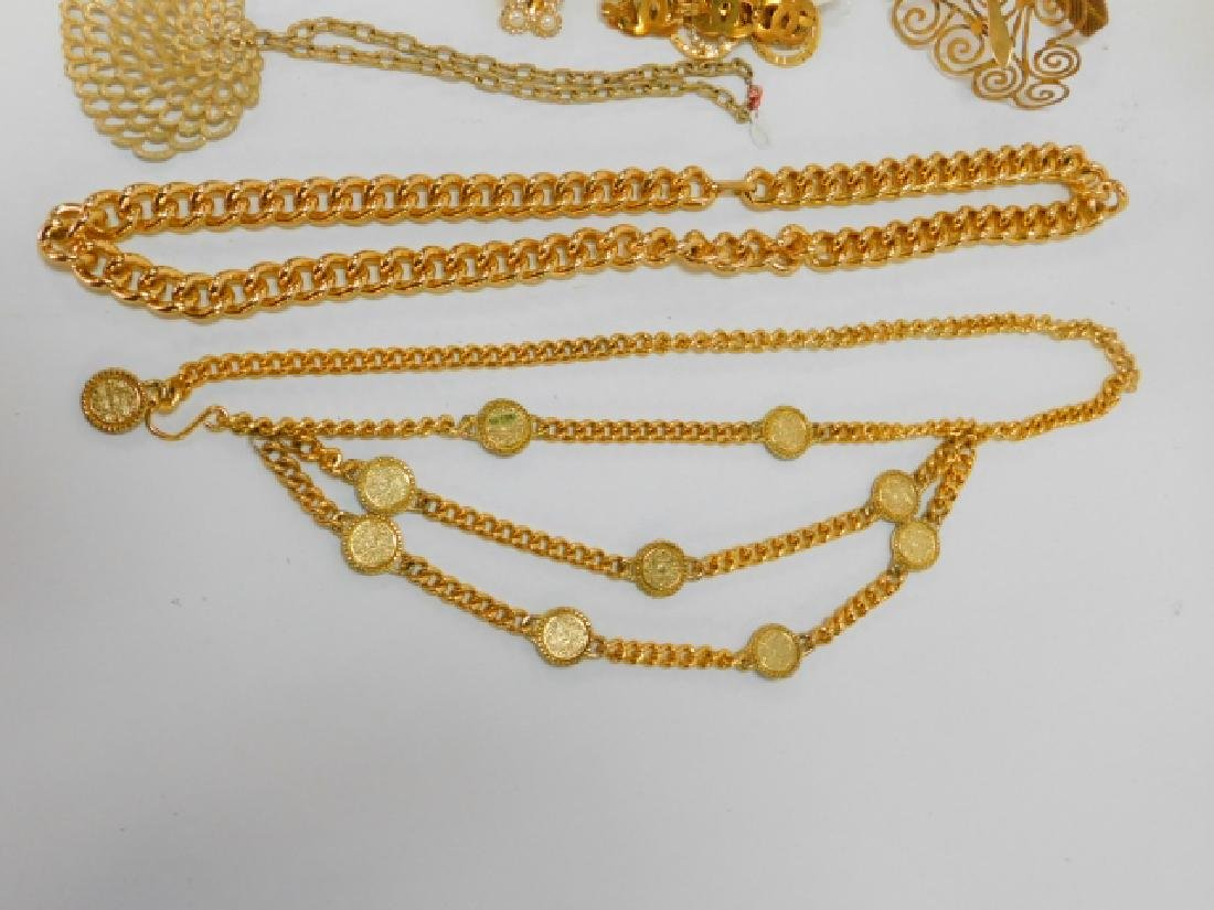 COLLECTION OF COSTUME JEWELRY AND ACCESSORIES - 7