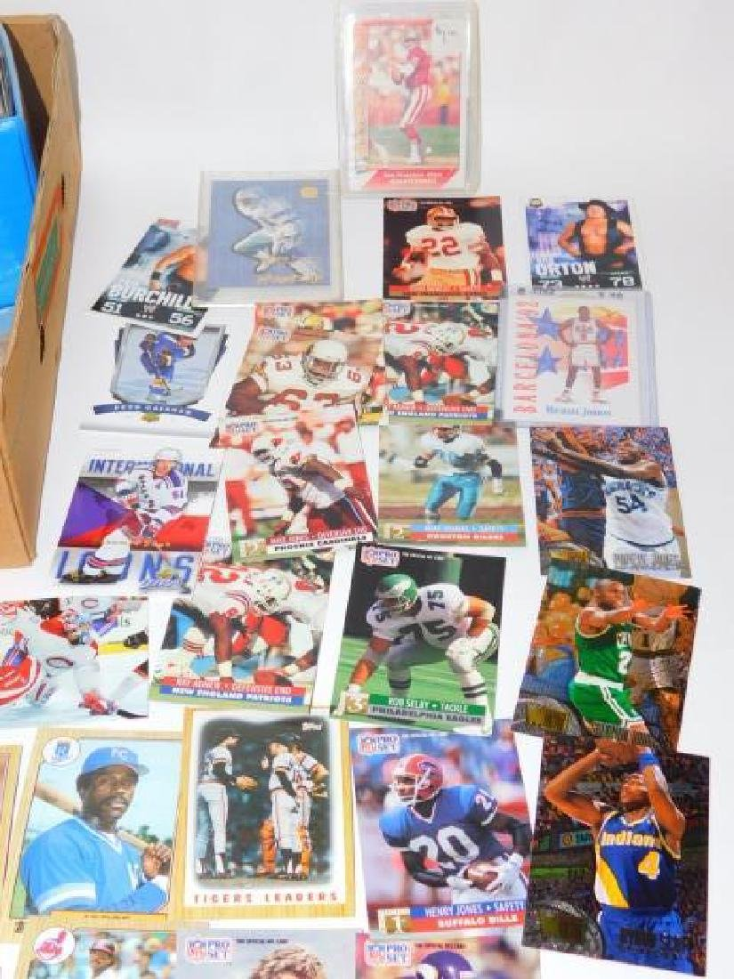 LARGE COLLECTION OF SPORTS MEMORABILIA CARDS - 3