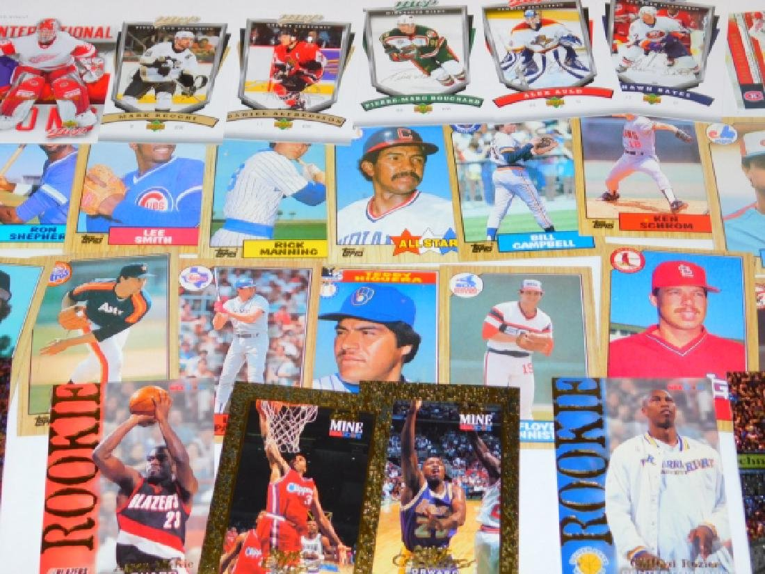 LARGE COLLECTION OF SPORTS MEMORABILIA CARDS - 4