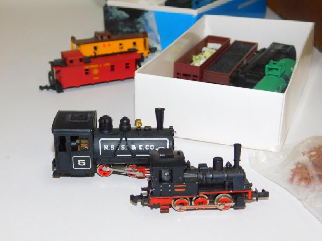 N GUAGE TRAIN CARS, TRACKS, AND ACCESSORIES - 2