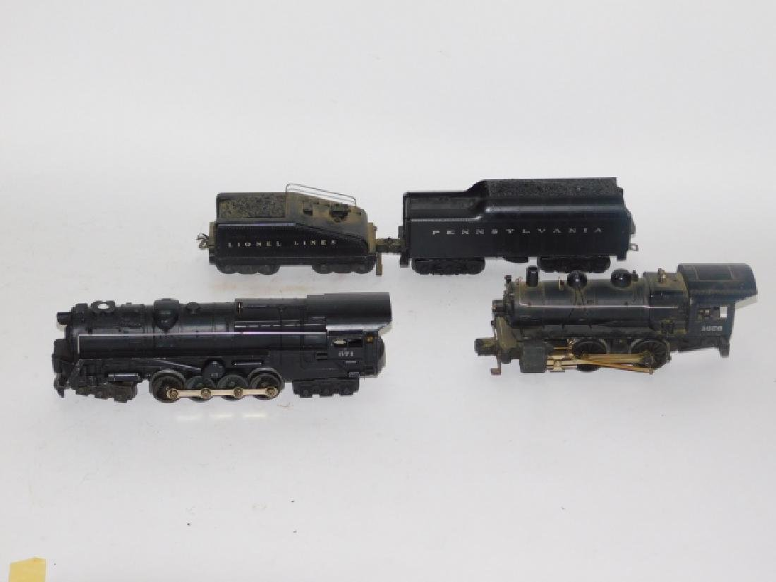 LOT OF LIONEL LOCOMOTIVES AND TRAIN CARS