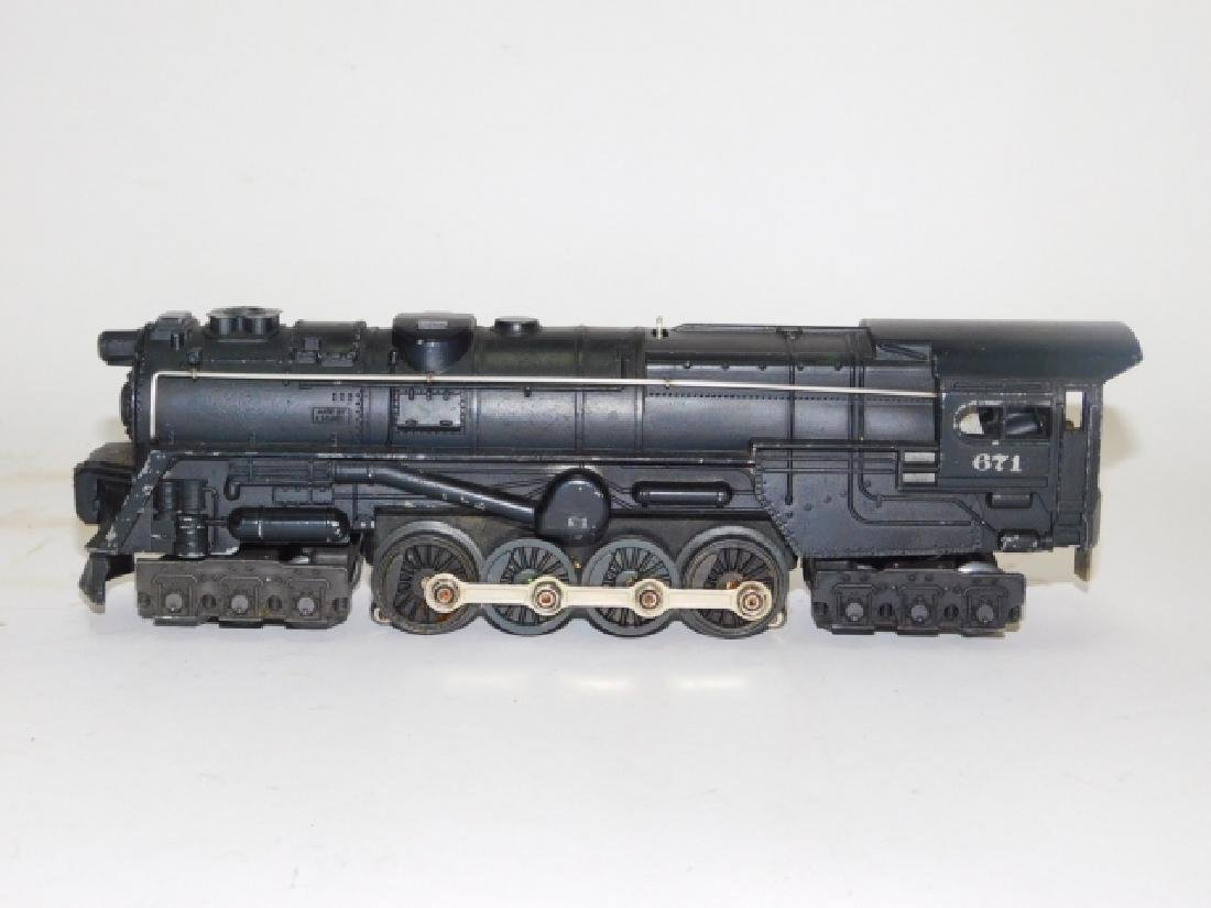 LOT OF LIONEL LOCOMOTIVES AND TRAIN CARS - 3