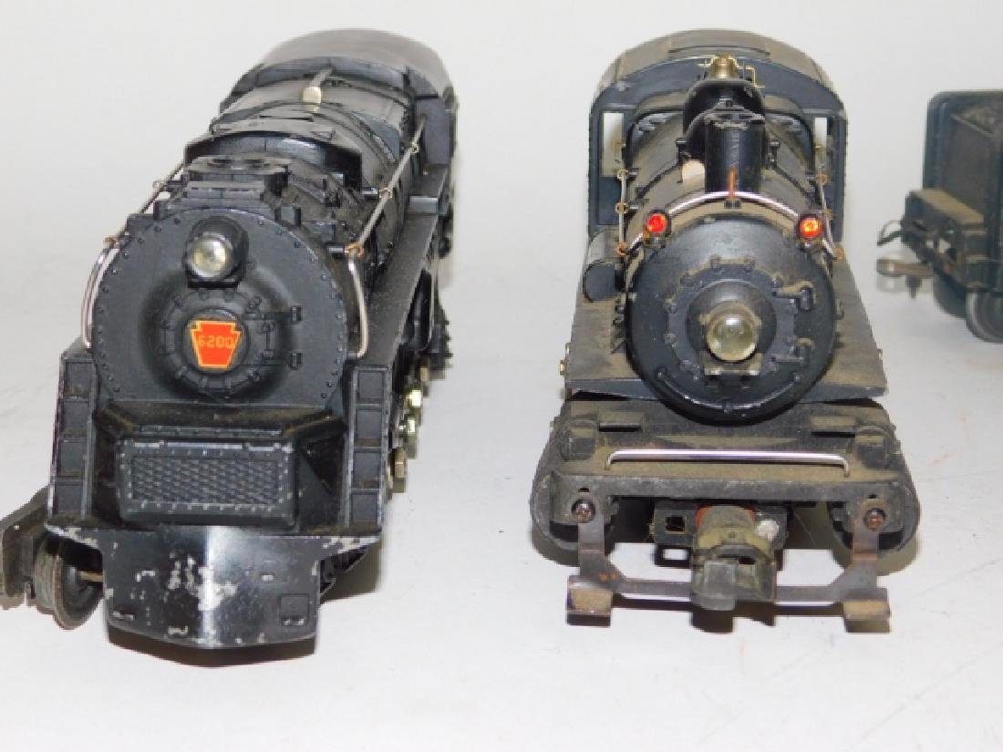LOT OF LIONEL LOCOMOTIVES AND TRAIN CARS - 5