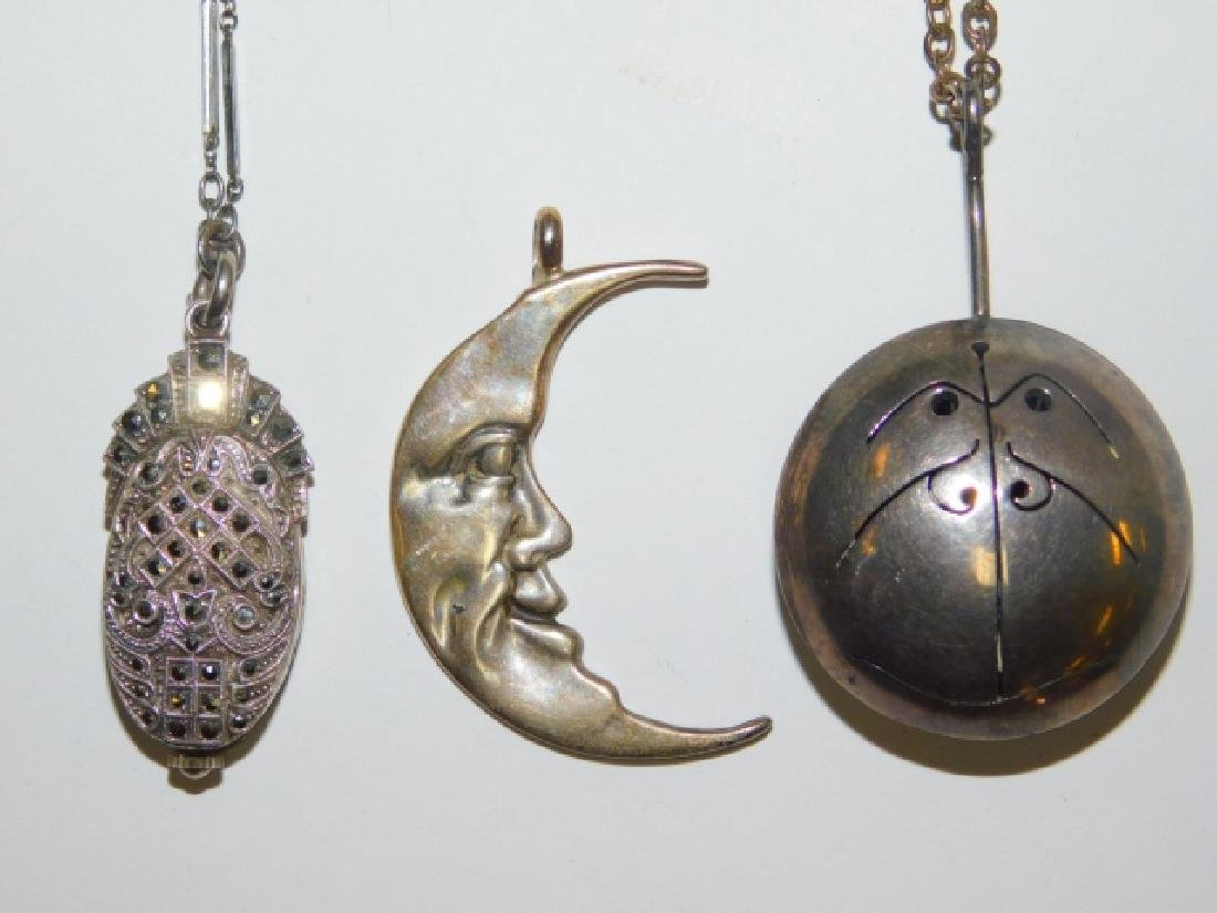 COSTUME PENDANTS AND NECKLACES