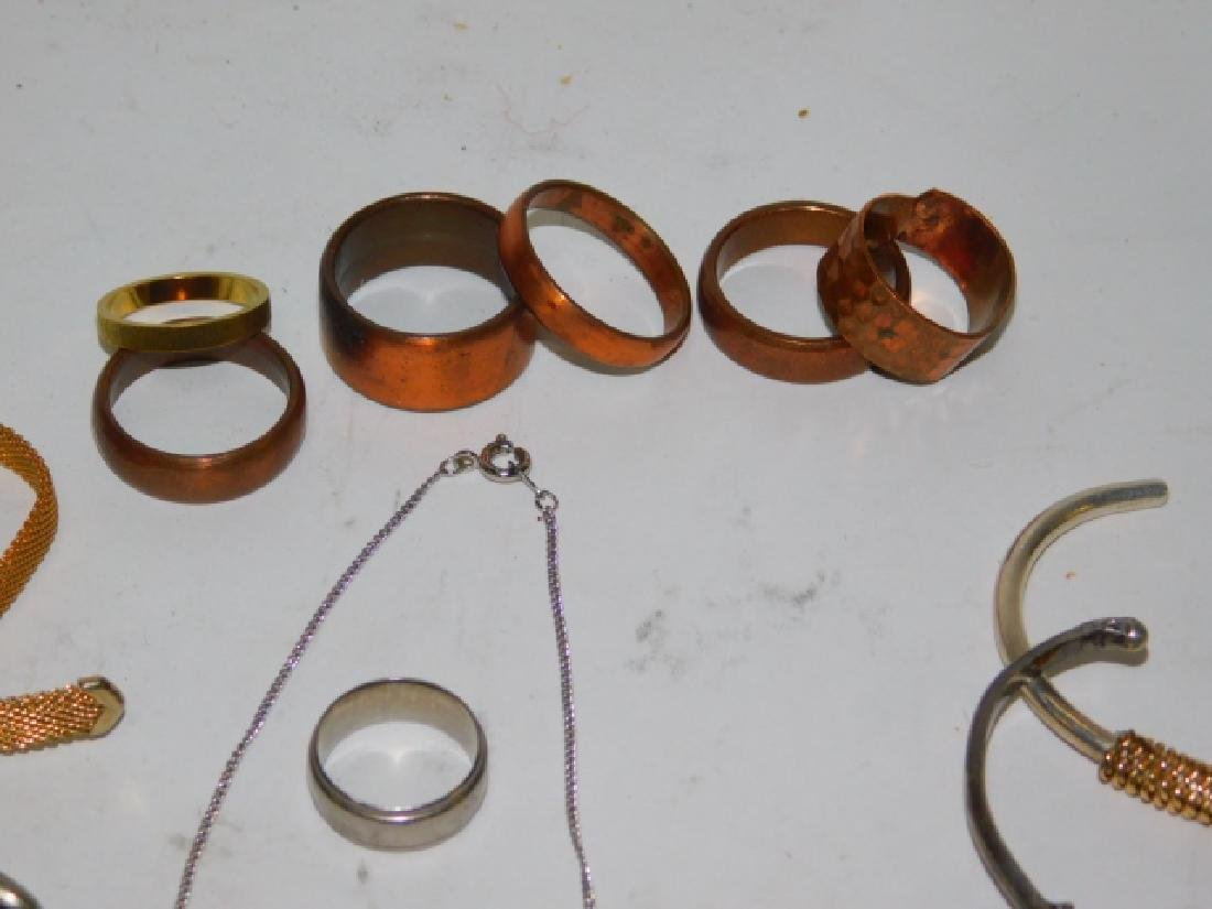 COLLECTION OF VINTAGE JEWELRY - 6