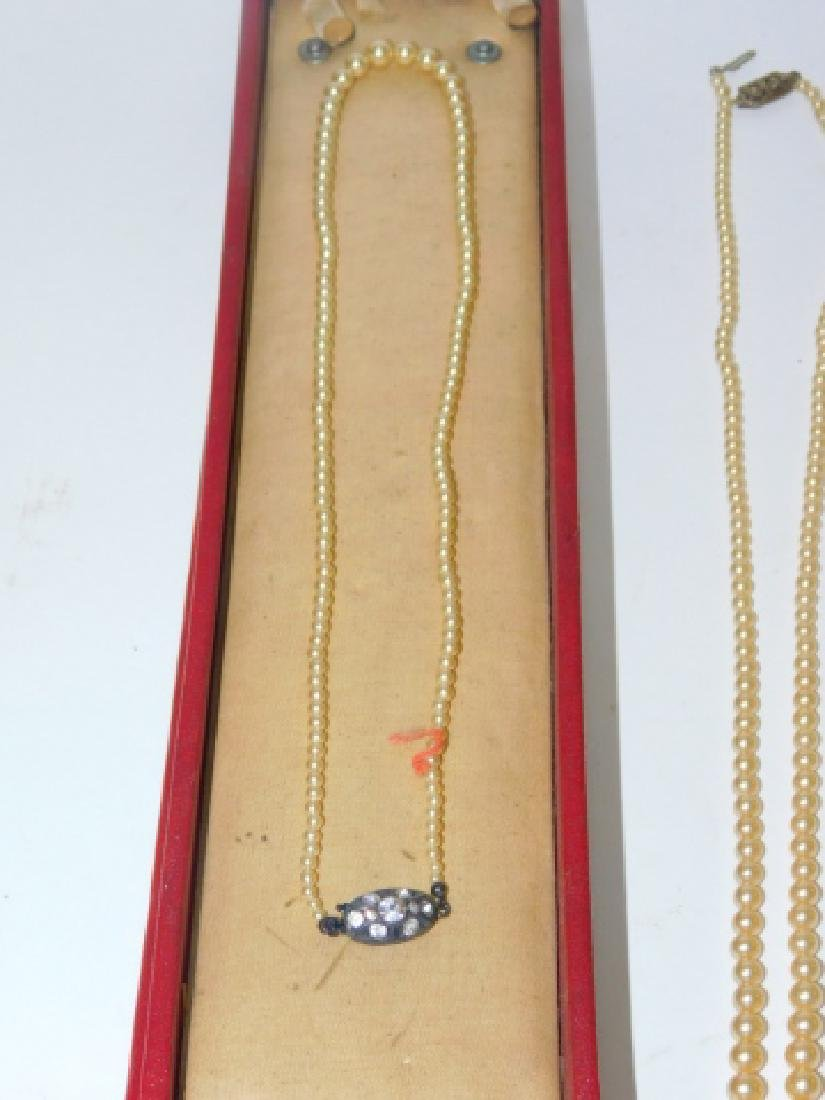 COLLECTION OF VINTAGE COSTUME JEWELRY - 5