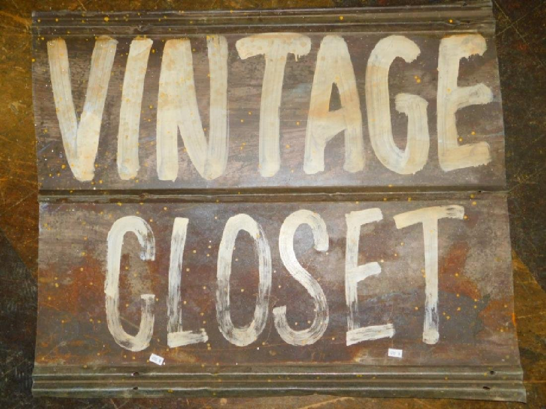 VINTAGE CLOSET TIN SIGN