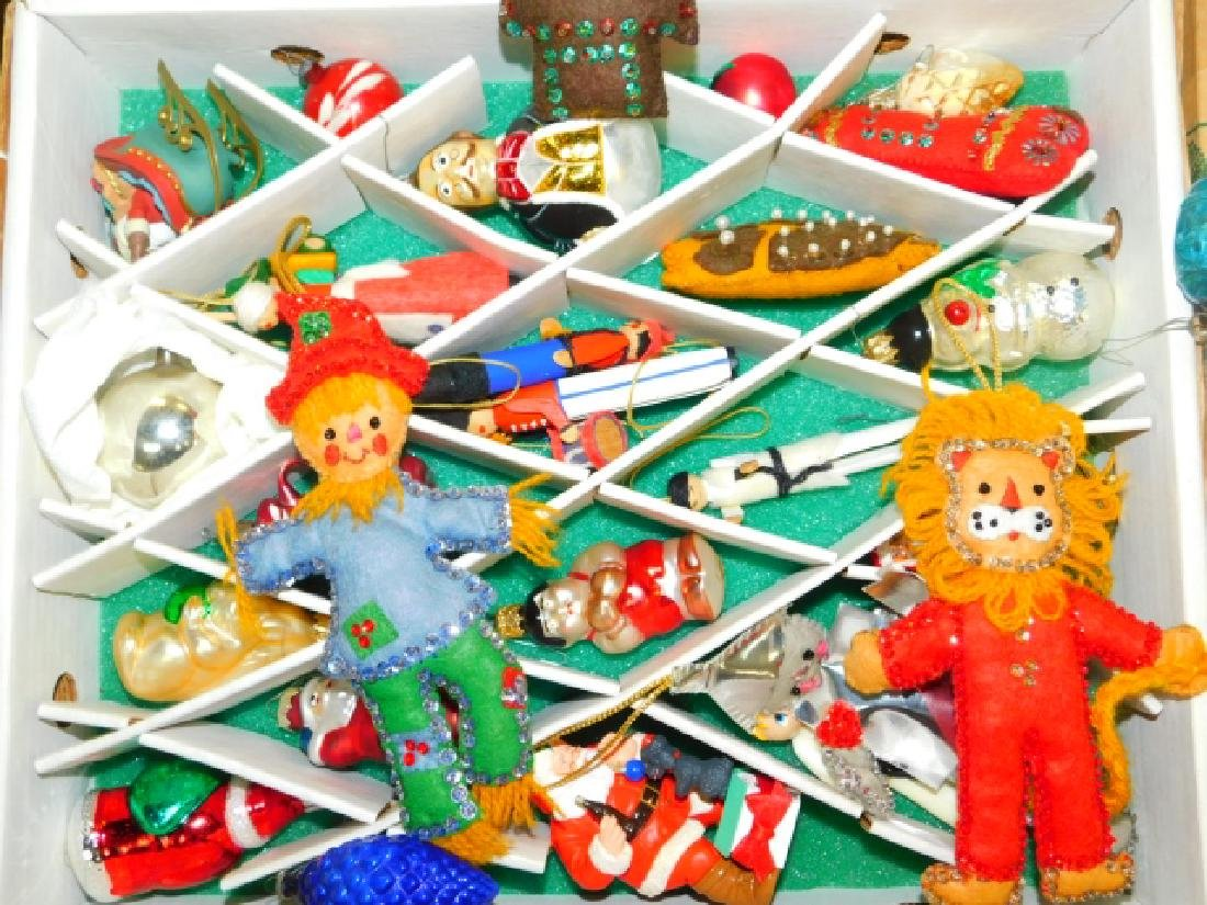 COLLECTION OF CHRISTMAS TREE ORNAMENTS - 3