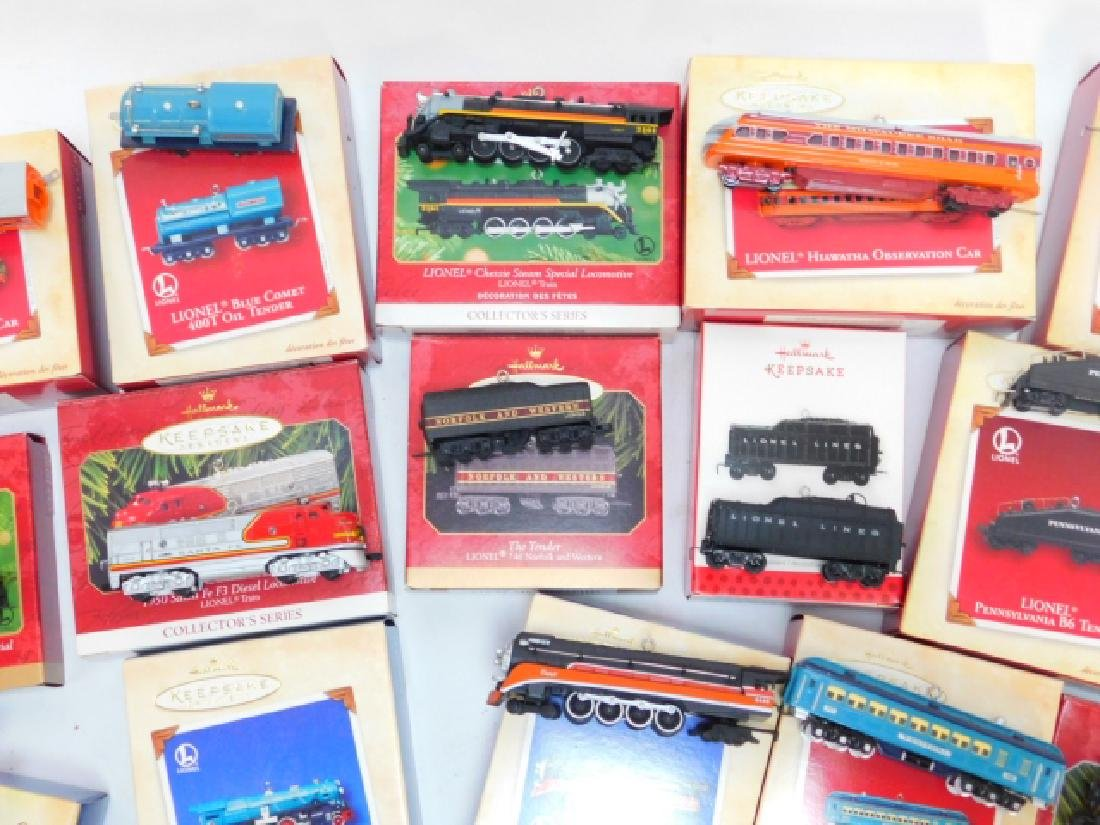 HALLMARK TRAIN CAR ORNAMENT COLLECTION - 5