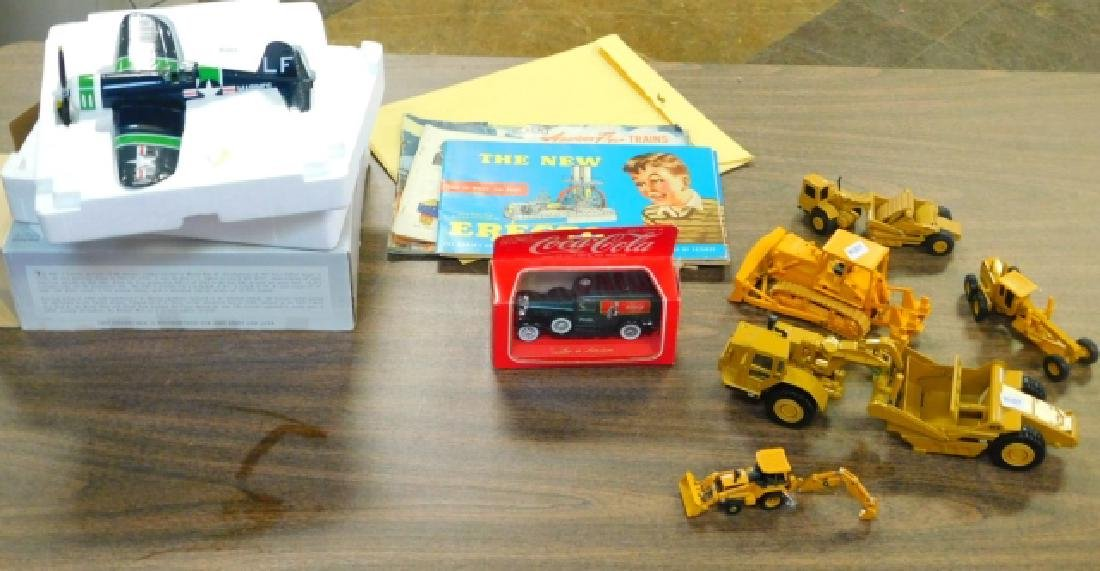 COLLECTION OF CONSTRUCTION TOYS AND AIRPLANES