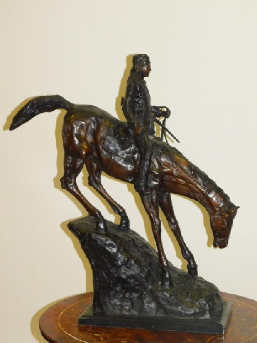 BRONZE WESTERN STATUE ON MARBLE BASE